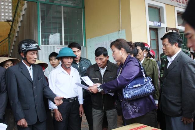 Quảng Bình: Tình người sau bão lũ 1
