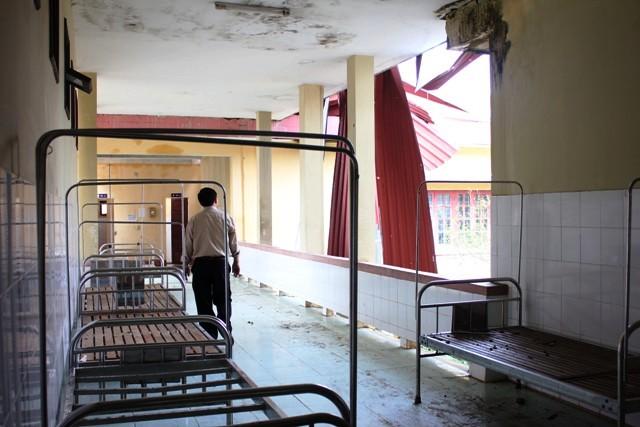 Bệnh viện Đa khoa Minh Hóa: Tan hoang sau bão lũ 3