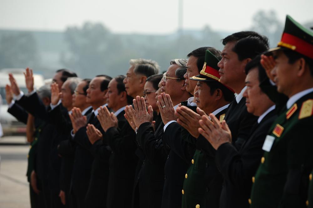 Toàn cảnh đưa tiễn Đại tướng tại sân bay Nội Bài 1