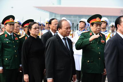 Toàn cảnh đưa tiễn Đại tướng tại sân bay Nội Bài 11