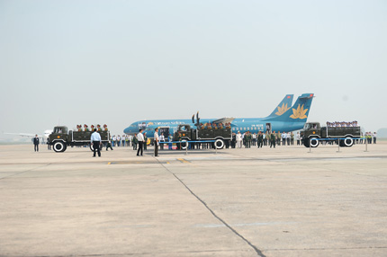 Toàn cảnh đưa tiễn Đại tướng tại sân bay Nội Bài 3