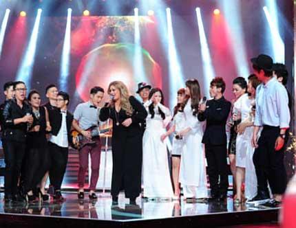 Quán quân Giọng hát Việt 2013: Ngọc Trâm hay Dương Hoàng Yến? 1