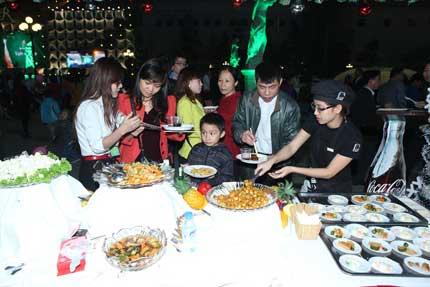 Cây thông kỷ lục Việt Nam có mặt tại Royal City 9