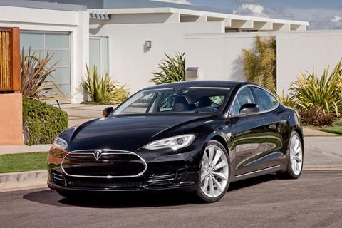 Top 10 xe sang tiết kiệm xăng nhất 1