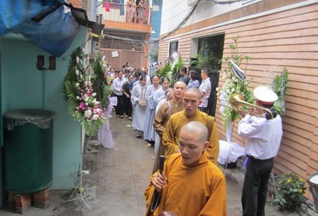 Gia đình và bạn bè đẫm lệ đưa tiễn Wanbi Tuấn Anh 1
