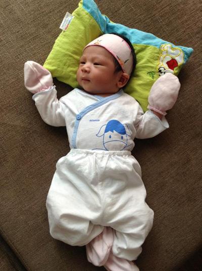 """Mỹ Dzung sinh con trai đầu lòng đúng vào ngày """"khủng bố"""" 2"""