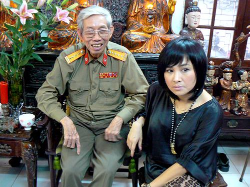 Showbiz tuần qua: Khán giả đau buồn chia ly nhạc sĩ Thuận Yến 1