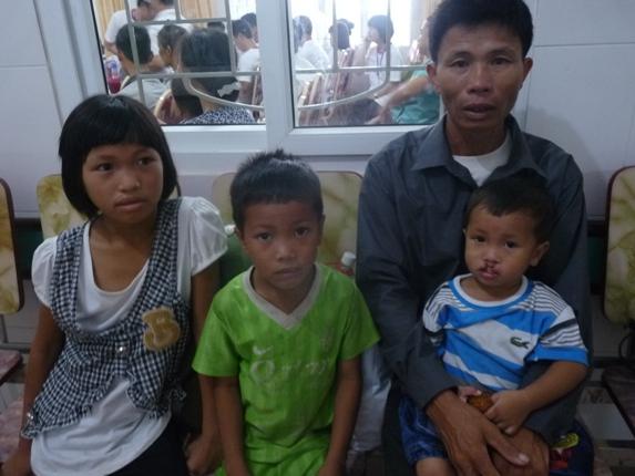 100 trẻ em khuyết tật  sứt môi hở vòm miệng được phẫu thuật miễn phí 1