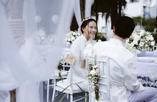 Người mẫu - diễn viên Phan Như Thảo bí mật tổ chức lễ ăn hỏi cùng chồng cũ Ngọc Thúy. Ảnh: FBNV.