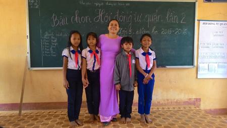 Học trò ở huyện Tây Giang đa số đều rất nghèo.