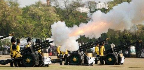 Thai royal guards fire artillery to salute during the royal cremation for late Princess Bejaratana Rajasuda Sirisobhabannavadi at Sanam Luang in Bangkok on April 9, 2012
