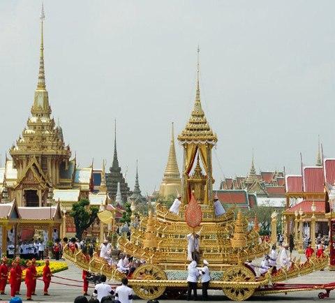 The royal chariot carryiesthe royal urn of Thai Princess Bejaratana Rajasuda Sirisobhabannavadi during the ancient rites of the royal cremation ceremony at Sanam Luang in Bangkok on April 9, 2012