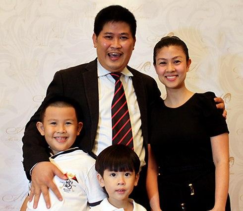Gia đình hạnh phúc của Phước Sang