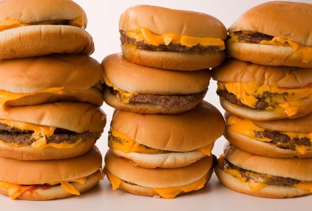 Đừng ăn thức ăn nhanh nếu bạn không muốn bị tiểu đường. Ảnh: Mens Health.