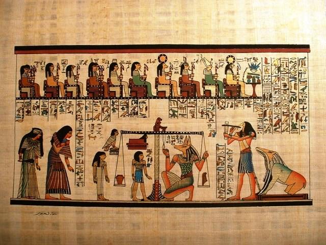 Vì vậy, các pharaoh, tầng lớp quý tộc Ai Cập đã chôn cất nhiều vàng bạc, châu báu cũng như nô lệ, thê thiếp... để tiếp tục cuộc sống giàu sang, phú quý khi sang thế giới mới.