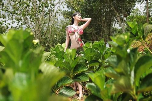 Lê Kiều Như thu hút ý kiến trái chiều trong bộ ảnh body painting