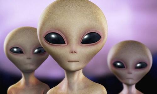 Theo Live Science, câu hỏingười ngoài hành tinh sexthế nào nếu thực sự tồn tại cực kỳ nghiêm túc. Bởi lẽ, sinh sản là một vấn đề hóc búa. Trong đó, sinh sản hữu tính diễn ra khá khó khăn. Nó đòi hỏi phải tìm được bạn đời, thuyết phục đối tượng đó trộn lẫn ADN của cả hai vào với nhau.