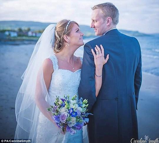Cô Lynette Rodgers và chồng John thiệt mạng trong tuần trăng mật. Ảnh: PA