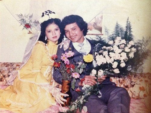 Ảnh cưới của NSƯT Chí Trung và Ngọc Huyền năm 1986 được chụp tại phòng riêng