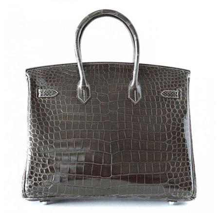 Đây là chiếc túi mà nhiều quý cô ao ước. Hermes Graphite Crocodile Bag làm bằng da cá sấu, giá của nó lên tới 85.000 USD.