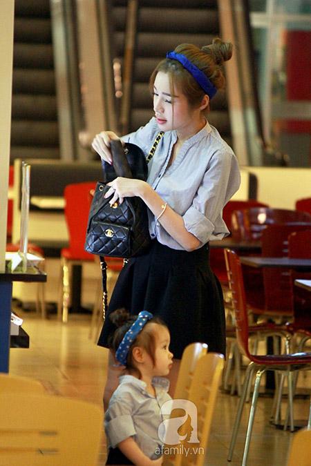Mẹ con Elly Trần và Cadie Mộc Trà là 1 trong những cặp mẹ con được nhiều người yêu mến nhất của showbiz Việt