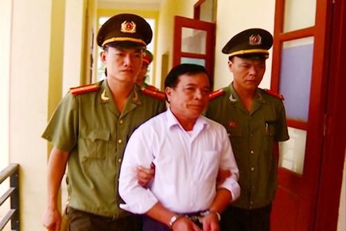 Bắt tạm giam Nguyễn Đình Tấn,  nguyên Chủ tịch UBND xã Quảng Minh (Ảnh do Công an Thanh Hóa cung cấp)