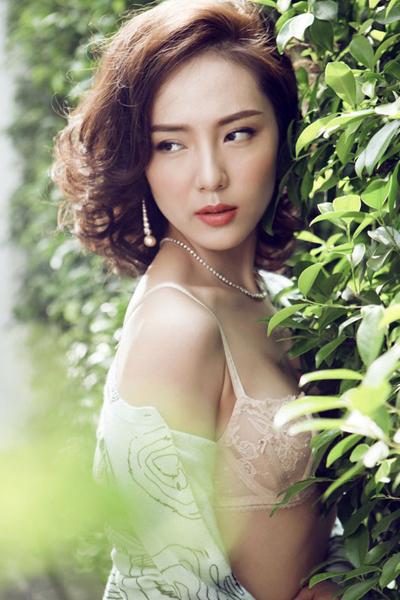 Phương Linh tự nhận mình là người khó tính, lạnh lùng nên đàn ông khó có cơ hội tiếp cận với cô.