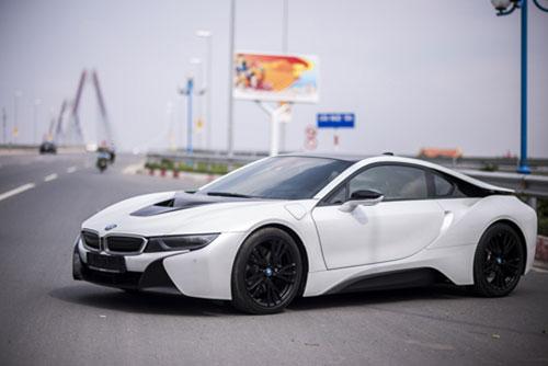 BMW i8 tại Hà Nội. Ảnh: Quang Anh.
