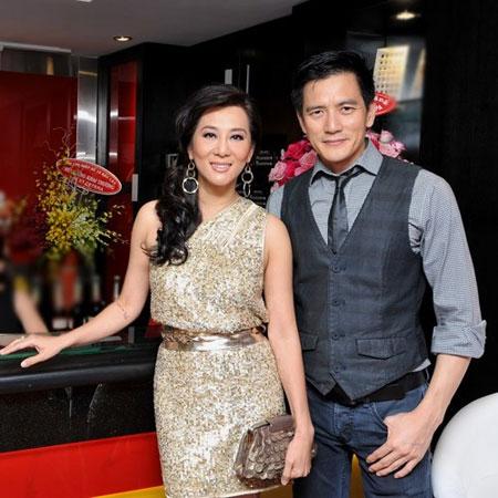 MC hải ngoại và bạn trai Duy Hân đã gắn bó với nhau 8 năm.