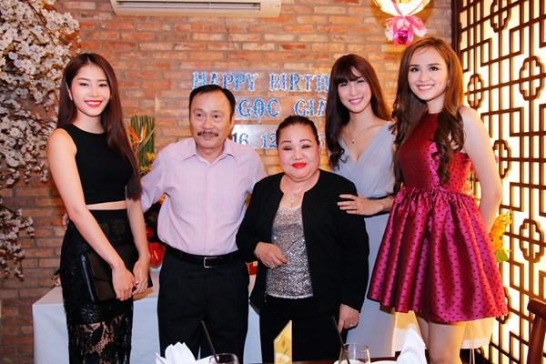 Diễm Hương, Nam Em mừng sinh nhật bà ngoại nuôi
