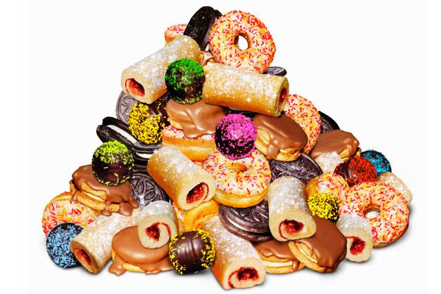 Đồ ngọt cũng là thứ nên hạn chế. Ảnh: Mens Health.