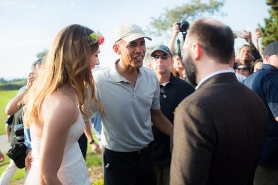 Tổng thống Obama đưa ra lời khuyên về cuộc sống mới cho cả hai. Ảnh: THE YOUNGRENS