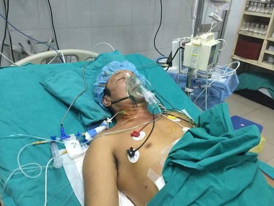 Những hình ảnh lần đầu công bố về ca ghép tạng xuyên Việt - 31
