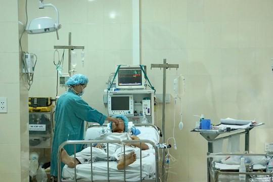 Những hình ảnh lần đầu công bố về ca ghép tạng xuyên Việt - 32