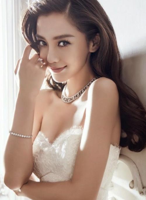 Vẻ đẹp ngọt ngào của cô dâu mới Angelababy.