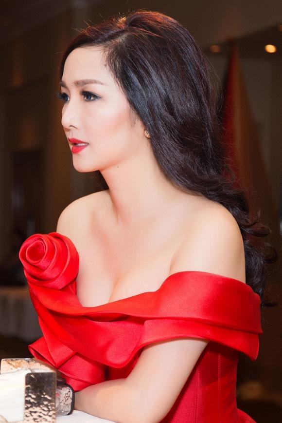 Hoa hậu đền Hùng Giáng My 3