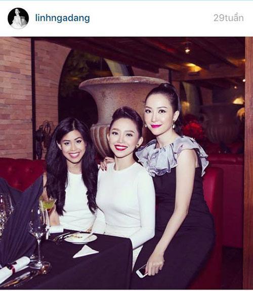 Linh Nga cùng Tóc Tiên và em chồng Hà Tăng trong một buổi khai trương nhà hàng của Tuấn Moon