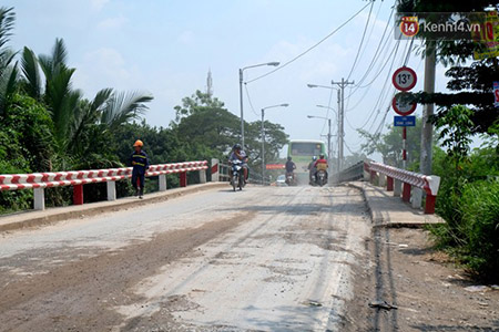 Khu vực cầu Thăng Long nơi hai nữ sinh gặp nạn.