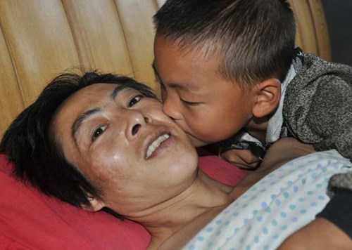 Người cha đã từng nghĩ đến cái chết nhưng đã nghĩ lại vì tình yêu của cậu con trai