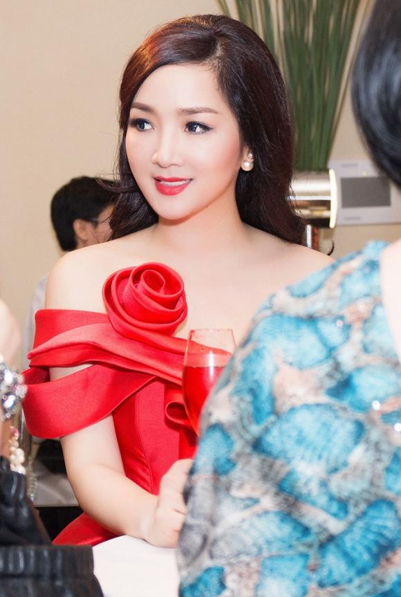 Hoa hậu đền Hùng Giáng My 4