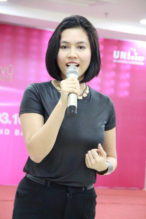 Khoảng tháng 7/2015, xuất hiện trong buổi họp báo của cuộc thi Hoa hậu Hoàn Vũ 2015, Hoàng Mykhiến khán giả tròn mắtvới thân hình đầy đặn hơn hẳn bình thường.
