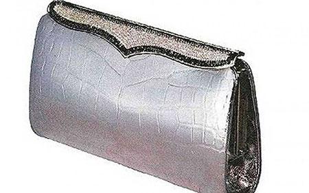 Chiếc ví Lana Marks Cleopatra Clutch trị giá 100.000 USD.