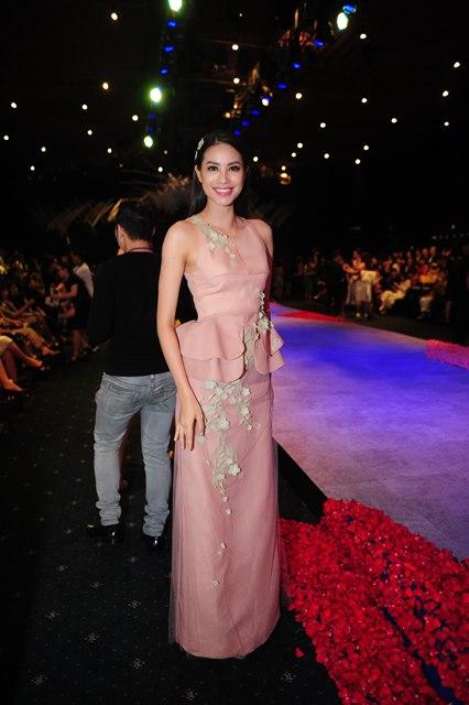 Hoa hậu Hoàn vũ VN Phạm Hương