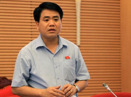 Tướng Chung công bố thông tin doanh nghiệp thuê xe ôm làm giám đốc sau đó thực hiện hành vi gian lận thuế. Ảnh Đ.T