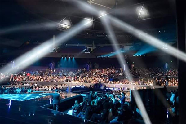 Sân khấu Axis trước giờ G.
