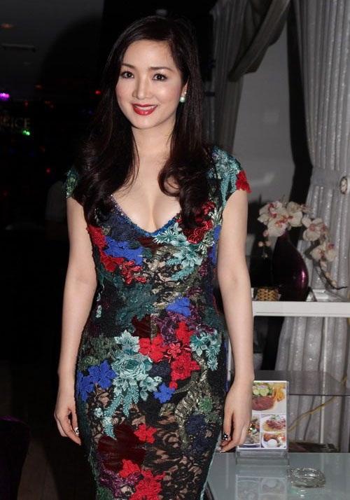 Kiểu trang phục này được Hoa hậu ưu tiên lựa chọn từ nhiều năm nay.