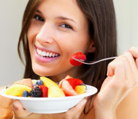 Ăn nhiều hoa quả tươi sẽ giúp phụ nữ phòng ngừa bệnh u xơ tử cung
