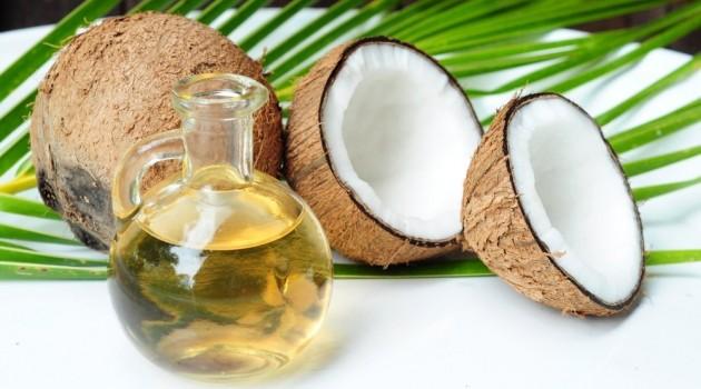 Dầu dừa có hiệu quả rất tốt trong điều trị rụng tóc
