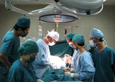 Một ca phẫu thuật cột sống