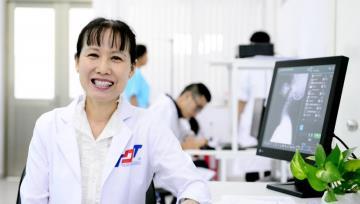 Bác sĩ Hồ Phạm Thục Lan